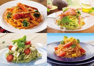 マンゴーとトマトの冷製パスタ(右下)、モッツァレラとトマトのカプレーゼ風冷製パスタ(左下)、赤海老とアボカドの冷製パスタ いくら添え(右上)、ずわい蟹のトマトクリームフィットチーネ(左上)