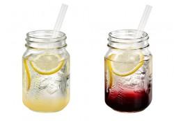 ブルックリンジャードリンク。スパークリングレモン(左)、クランベリーソーダ(右)