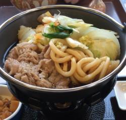 控えめの味と多め野菜でヘルシー志向が強くなった牛すき鍋定食