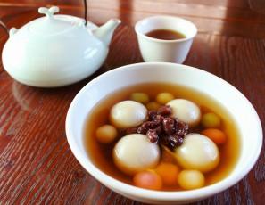 台湾式ぜんざい「湯圓」