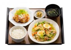 八宝菜と油淋鶏の定食