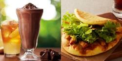 夏限定の本格チョコレートドリンク「チョコリスタ」(左)、サラダ感覚のピザ風サンド「サラダピッツァ タンドリーチキンカレー」(右)