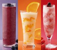 フルーツを楽しむソルベージュ。左から、葡萄とブルーベリー、オレンジマーマレード、ラズベリーヨーグルト