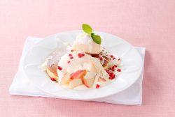 季節の「桃のパンケーキ」