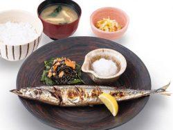 釧路沖生さんまの炭火焼定食