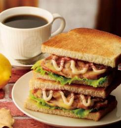トーストサンド 日南どりのレモンバターソース