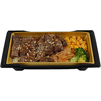 アンガスビーフステーキ重。写真では分かりにくいが、焼肉ではなくしっかりとした厚みのあるステーキ肉