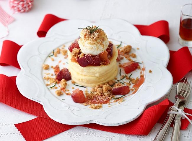 クリスマスバージョン「リンゴキャラメルパンケーキ マスカルポーネのアイスを添えて」