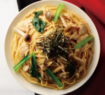 蒸し鶏と小松菜の焦がし醤油