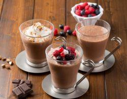 ショコラ アーモンド&ホイップ(左)、ショコラ ベリー&ココナッツ(中央)、ショコラ(右)