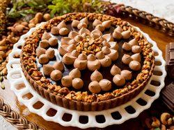 カシスブラウニーとチョコレートムースのタルト