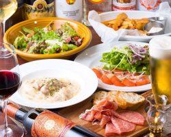 ランチ、ディナーではスペイン系創作料理を提供