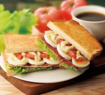 トーストサンド BLTE~ベーコン・レタス・トマト・エッグ