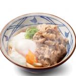 【4/25】丸亀製麺、甘辛牛肉と温泉玉子、とろろをトッピング「牛とろ玉うどん」発売
