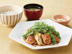 桜えび香る 胡桃だれの鶏むね肉と野菜炒め定食