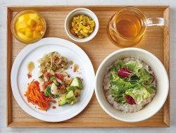 茶粥 えび塩トマト、ジャスミンティー(テーブルセット)