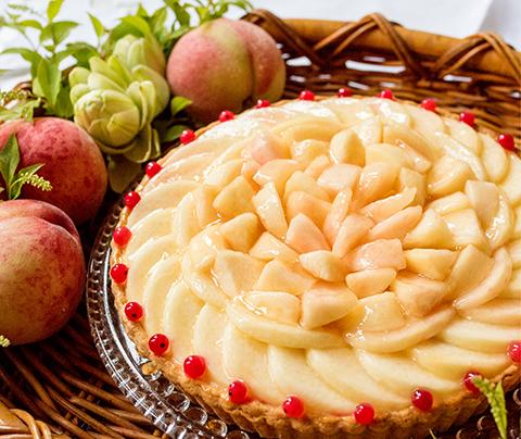 桃とホワイトチョコムースのタルト