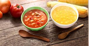 ミネストローネ(左)、コーンクリームスープ(右)