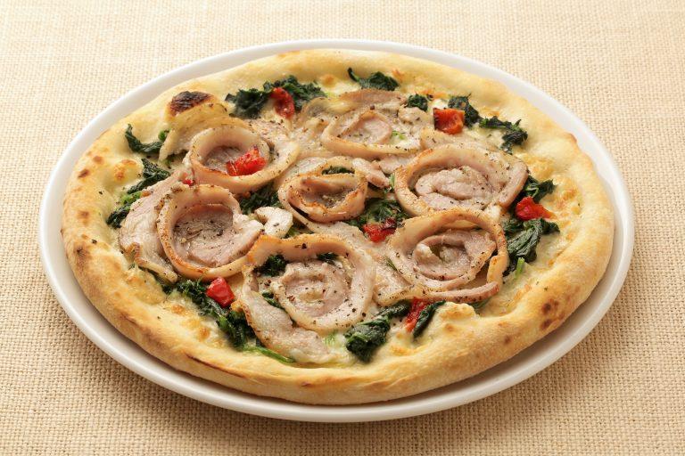 ポルケッタとイタリア産スカモルツァチーズのピッツア