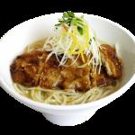 【11/20】台湾式とんかつ丸ごとのせた「柚子塩排骨麺」&「タピオカ抹茶小豆ミルク」、春水堂に新登場