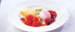 「苺のクレープ」