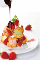 「苺のプチシュータワー~7色のアイス~」