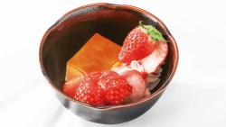 苺のプリンアラモード