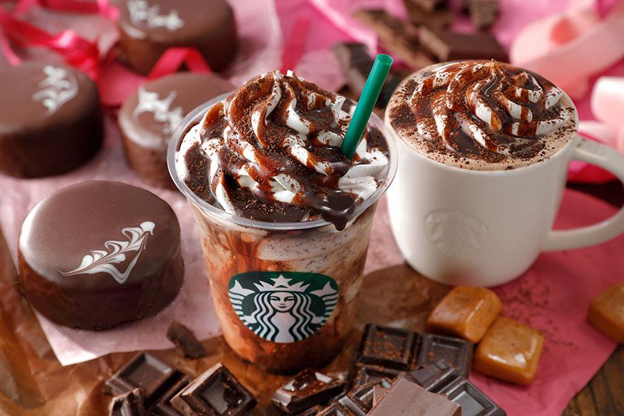 「バレンタイン チョコホリック ココ」(右)、「バレンタイン チョコホリック フラペチーノ」(左)