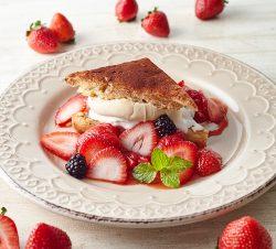 苺とティラミスのスコーンショートケーキ