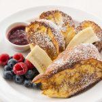【3/23】ピーナッツバター×ベリーは鉄板のおいしさ。サラベス新宿店、「PBJフレンチトースト」を期間限定発売