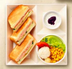 「トーストサンドモーニング ツナサラダ」