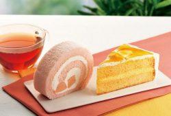 左「桃のロールケーキ」、右「バニラオレンジケーキ」
