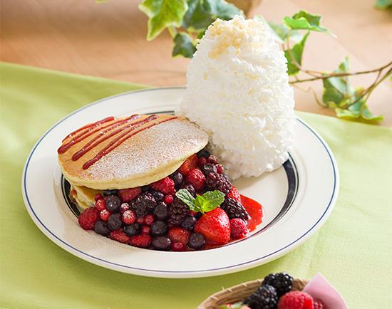 「クインタプルベリーパンケーキ」